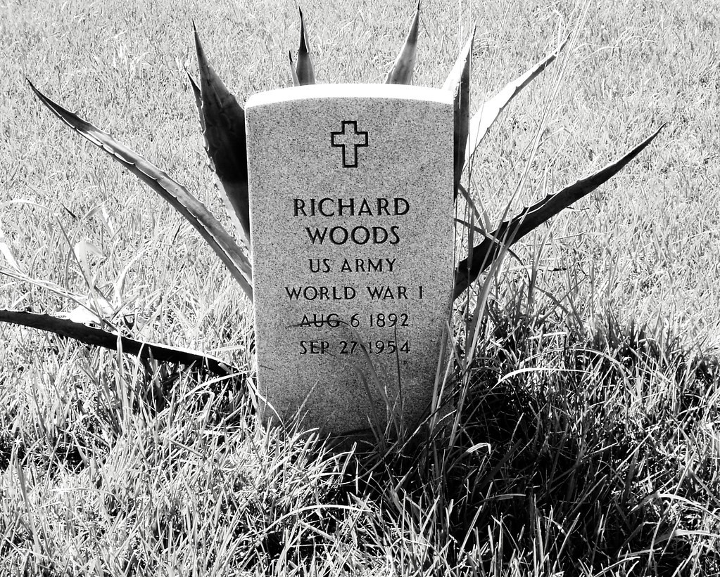 World War II Research by popular US professional genealogy services, Lineages: digital image of a World War II headstone.